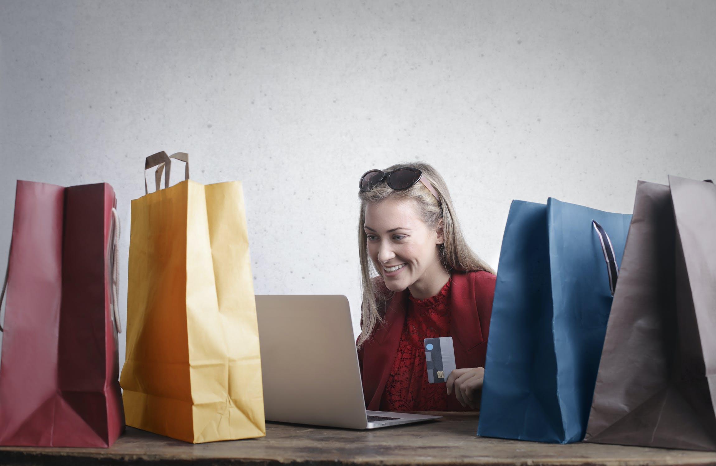 Fulfilment dla średniego sklepu internetowego - poznaj korzyści